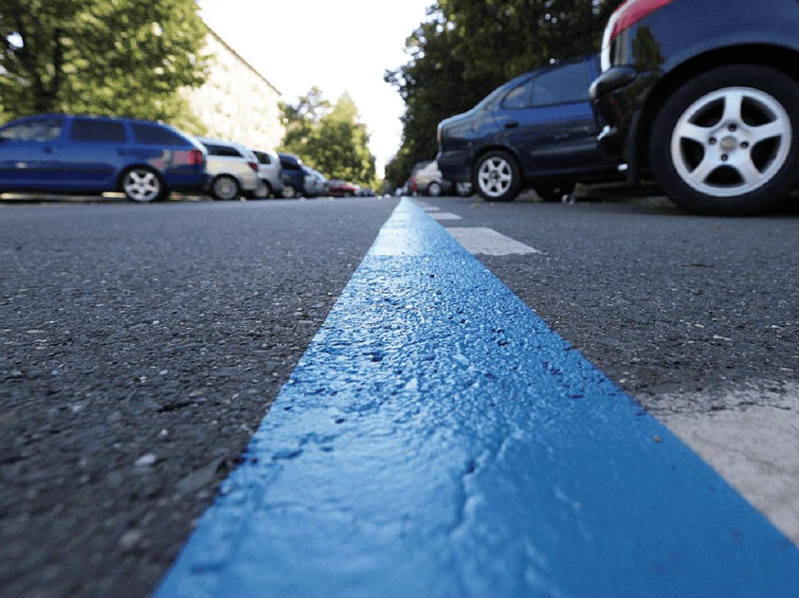 marquage bleu pour stationnement limité