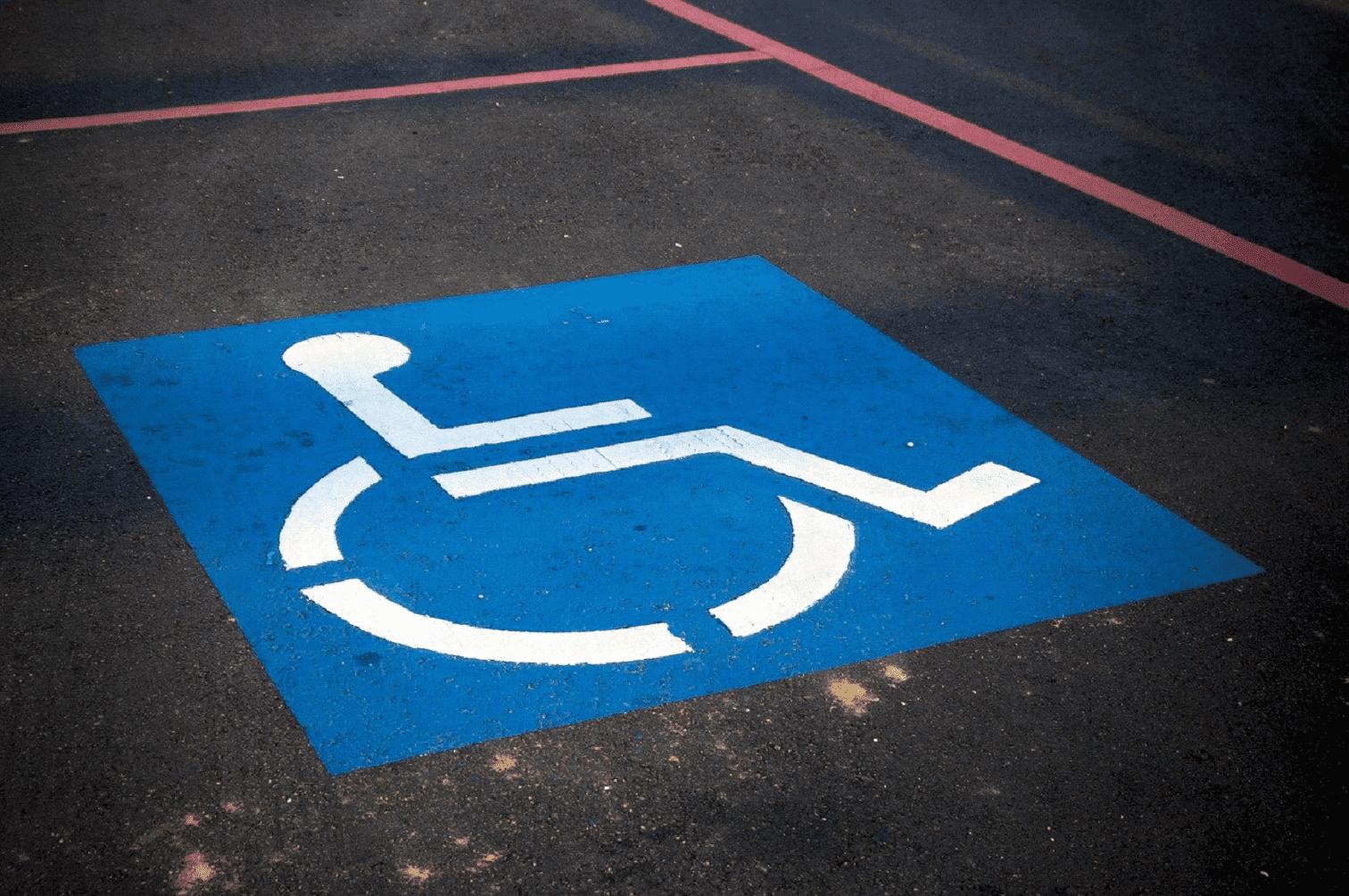 accessibilité et place handicapé
